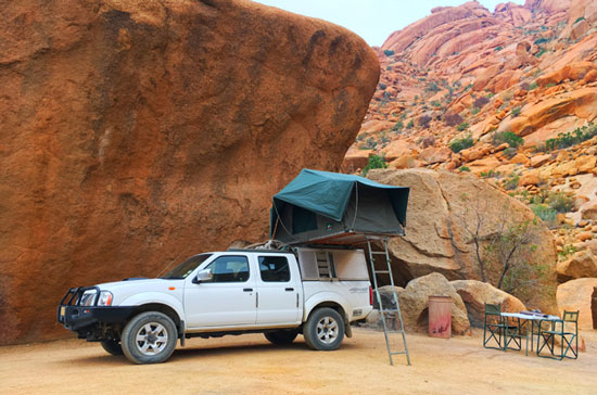 Camping gear with roof top tents